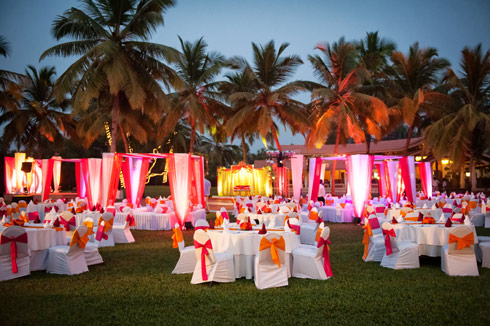 Destination wedding planner withlove eventsplan a destination destination wedding junglespirit Image collections